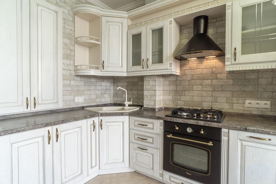 Белый кухонный гарнитур-Кухня из шпона «Модель 7»-фото3