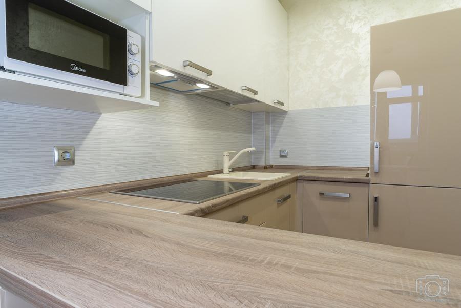 Бежевые кухни-Кухня из пластика «Модель 1»-фото2